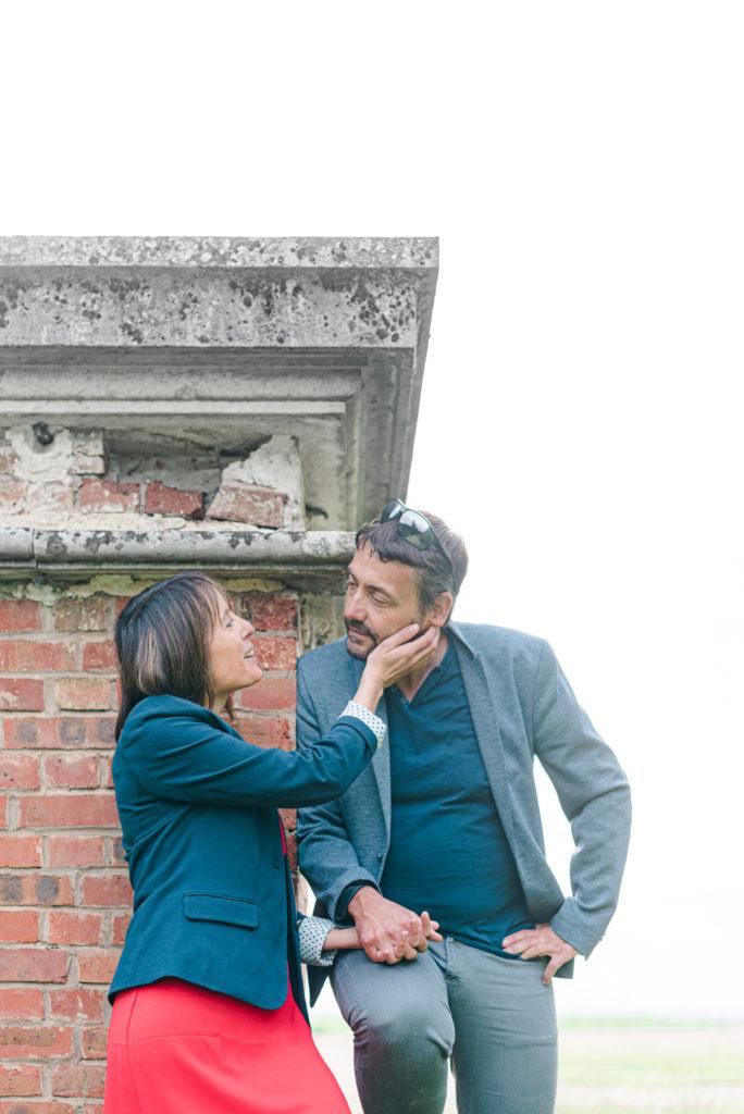 Couple regard La séance d'engagement Christophe Lefebvre Photographe Yvelines