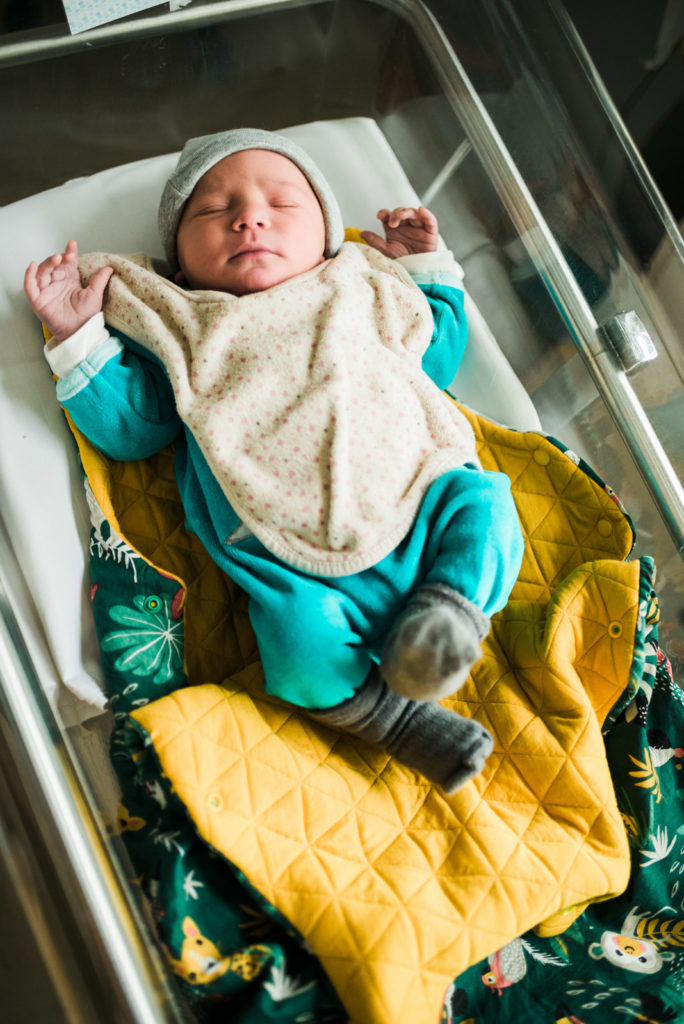 Photo nouveau né maternité